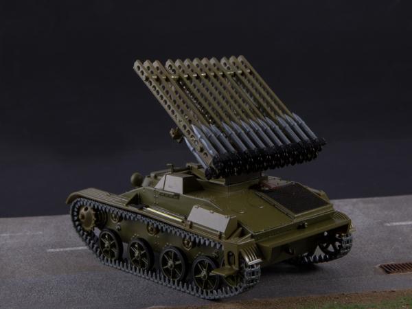 Macheta tanc rusesc T-60 cu rachete Katiusha, scara 1:43 1