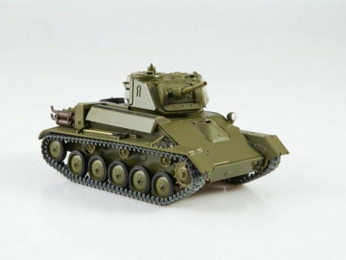 Macheta tanc rusesc T-80, scara 1:43 5