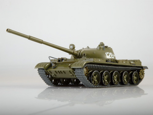 Macheta tanc rusesc T-62, scara 1:43 1