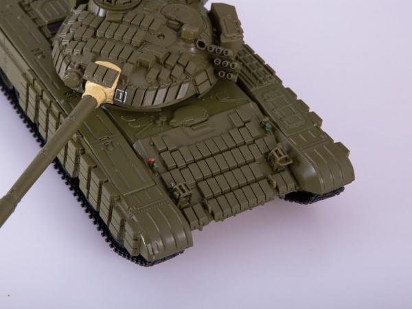 Macheta tanc rusesc T-72B, scara 1:43 4