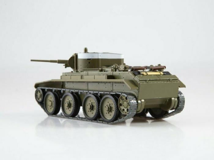Macheta tanc rusesc BT-7, scara 1:43 [3]