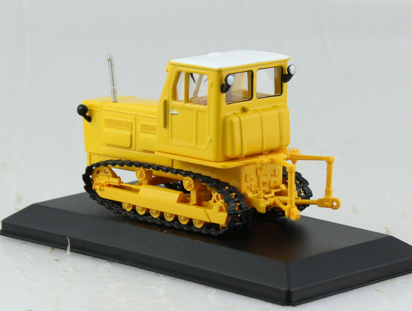 Macheta tractor Altai T-4A, Rusia Mk2, scara 1:43 1