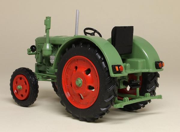 Macheta tractor IFA RS 04/30, RDG, scara 1:43 2