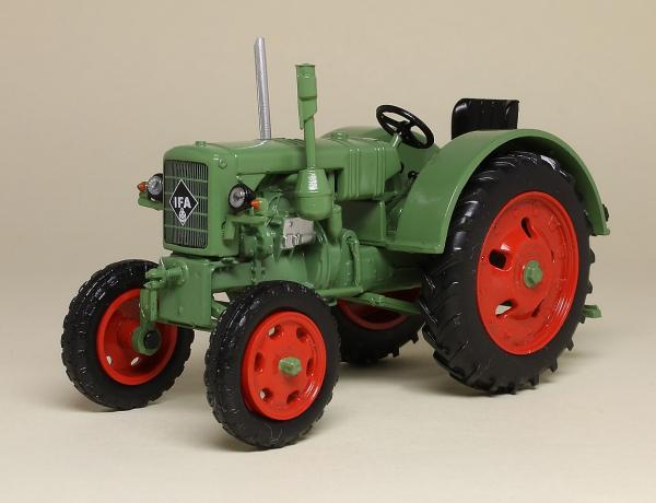 Macheta tractor IFA RS 04/30, RDG, scara 1:43 0