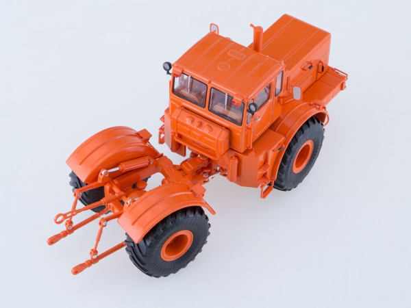 Macheta tractor K-701 Kirovets, scara 1:43 1