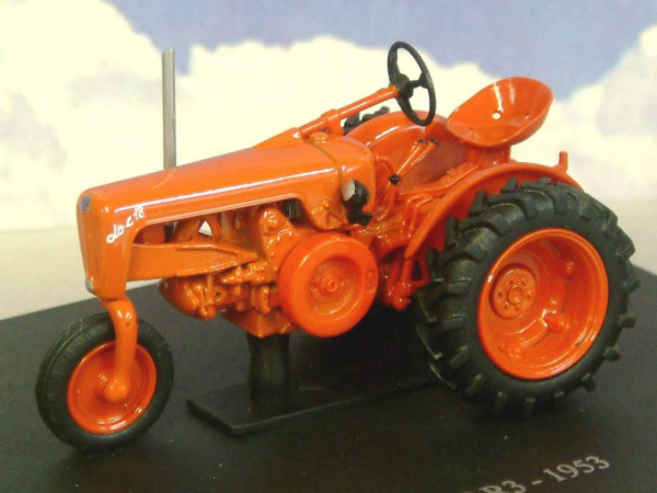 Macheta tractor OTO C 18 R3 1953, scara 1:43 0