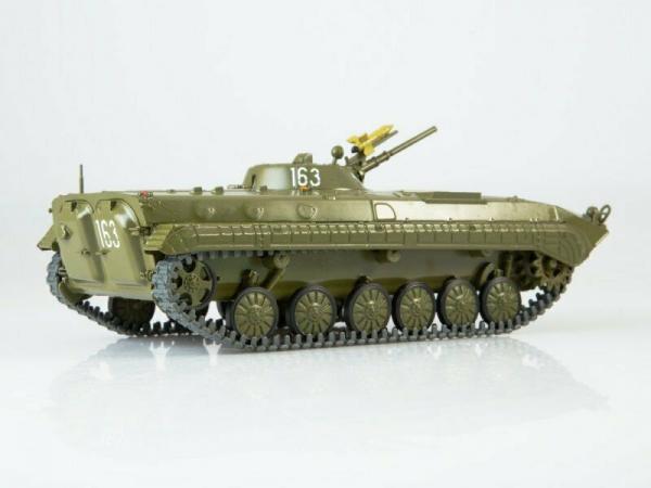 Macheta transportor blindat rusesc BMP-1, scara 1:43 1