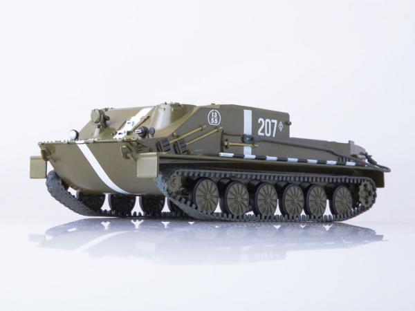 Macheta transportor blindat rusesc BTR-50, scara 1:43 1