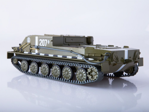 Macheta transportor blindat rusesc BTR-50, scara 1:43 3