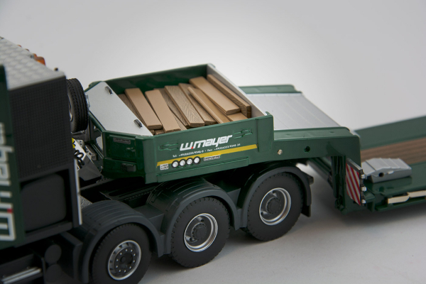 Macheta camion Scania 164C 8x4 cu trailer Goldhofer, scara 1:50 1