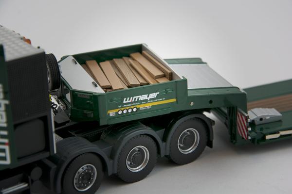 Macheta camion Scania 164C 8x4 cu trailer Goldhofer, scara 1:50 3