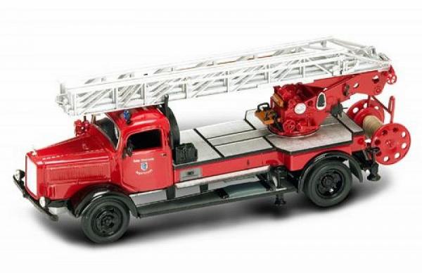 Macheta masina pompieri Mercedes L4500F, scara 1:43 0