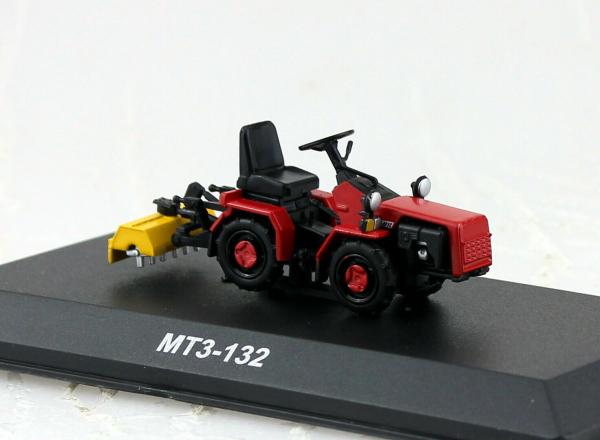 Macheta tractor MTZ-132 cu freza, Bielorusia, scara 1:43 0