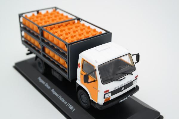 Macheta camion de butelii Pegaso Ekus, scara 1;43 [0]