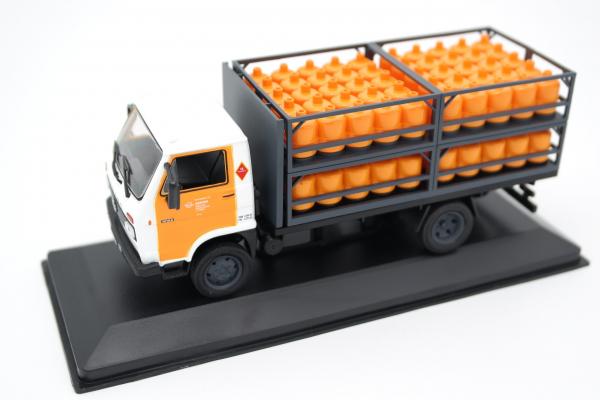 Macheta camion de butelii Pegaso Ekus, scara 1;43 [2]