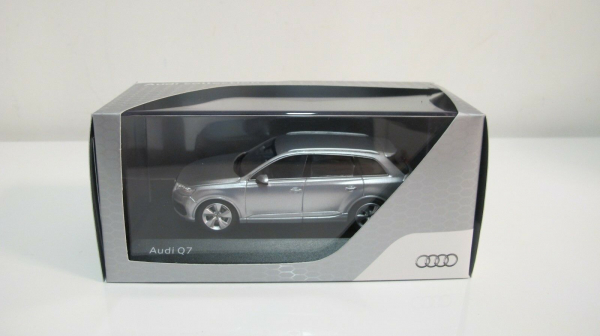 Macheta auto Audi Q7, scara 1:43 4