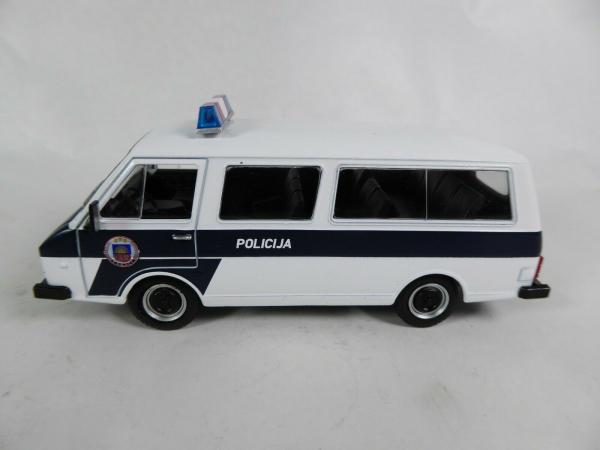 Macheta auto RAF 22038, politia letona, scara 1:43 0