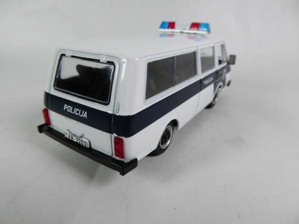 Macheta auto RAF 22038, politia letona, scara 1:43 2