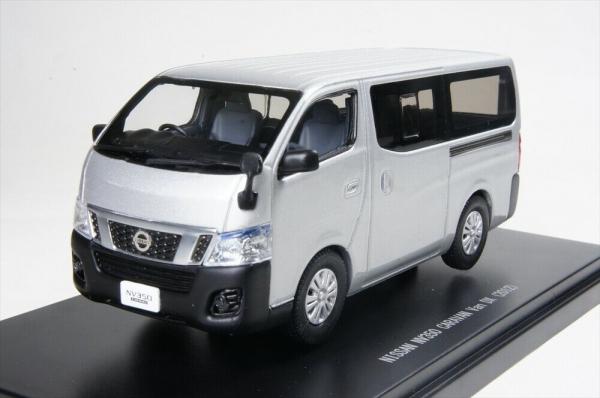 Macheta auto Nissan NV350, scara 1:43 0