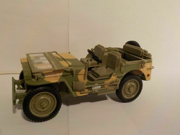 Macheta auto Jeep Willys 1941, scara 1:18 1