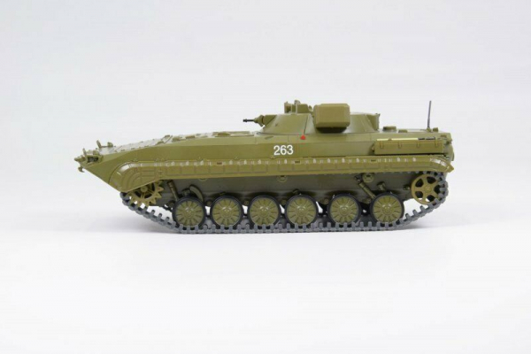 Macheta transportor blindat rusesc PRP-4, scara 1:43 1