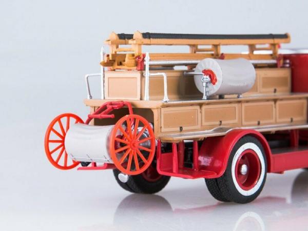 Macheta autospeciala pompieri PMZ-1 (ZIS 11) scara 1:43 4