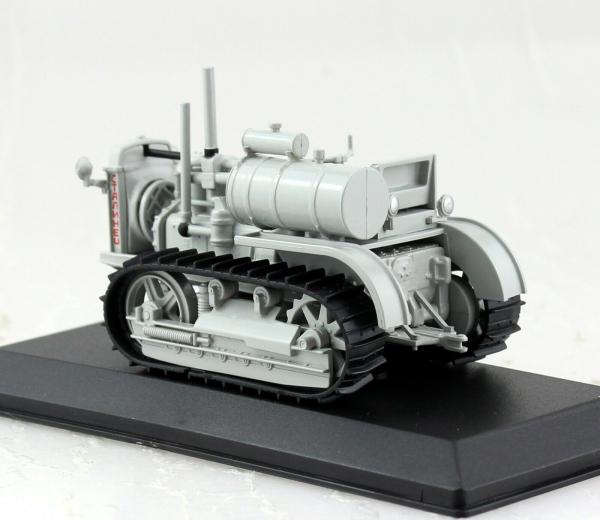 Macheta tractor Stalinetz 60, Rusia, scara 1:43 1
