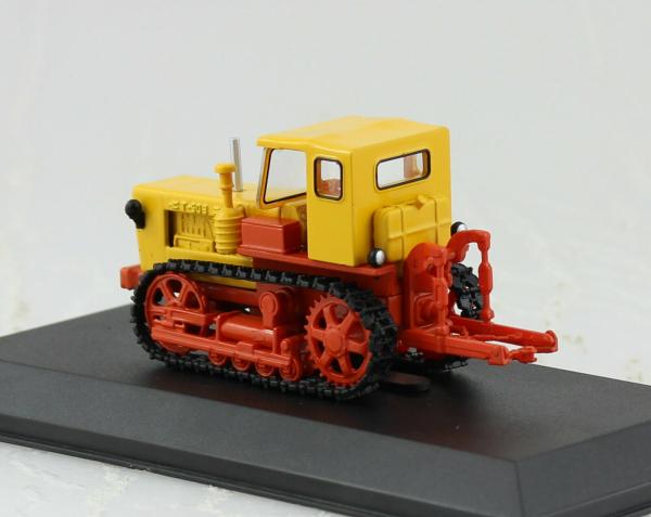 Macheta tractor T-50V Moldova, scara 1:43 1