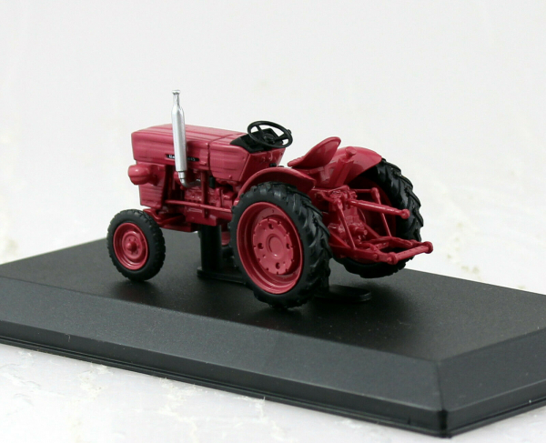 Macheta tractor Universal 445, Romania, scara 1:43 1