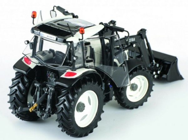 Macheta tractor Valtra A104 cu incarcator, scara 1:32 [1]