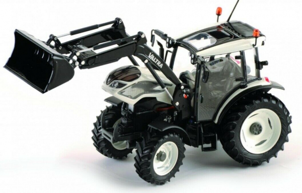 Macheta tractor Valtra A104 cu incarcator, scara 1:32 [2]