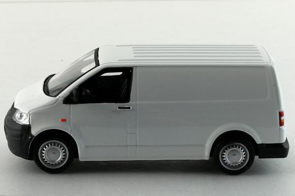 Macheta Volkswagen Transporter T5 Van, scara 1:43 5