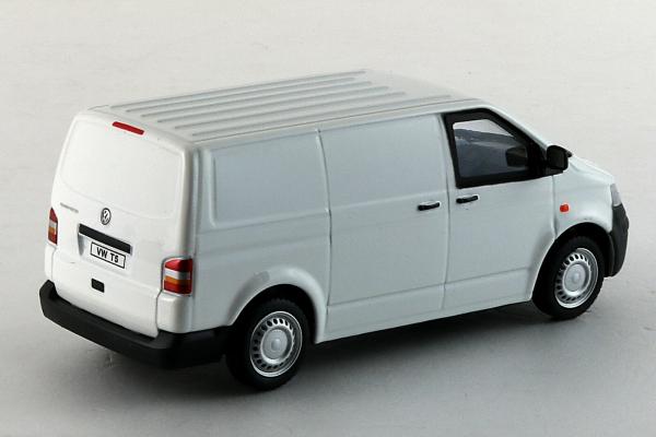 Macheta Volkswagen Transporter T5 Van, scara 1:43 3