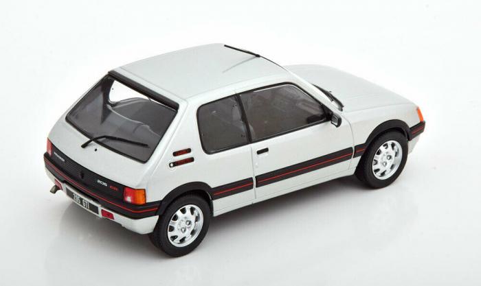 Macheta auto Peugeot 205 1.9 GTI, scara 1:24 [1]