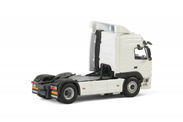 Macheta cap tractor Volvo FM4 Globetrotter 4x2, scara 1:50 1