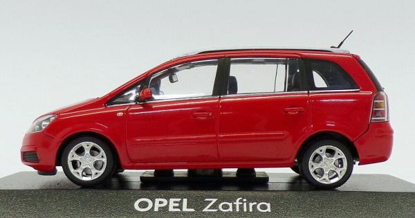 Macheta Opel Zafira B, scara 1:43 2