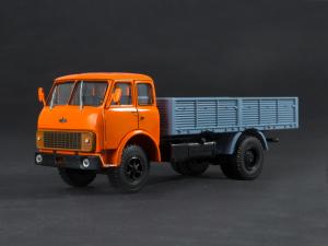 Macheta camion MAZ 5335 scara 1:43 [0]