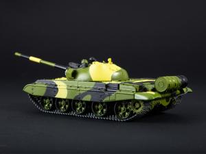 Macheta tanc rusesc T-62M, scara 1:431