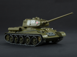 Macheta tanc rusesc T-34-85, scara 1:431