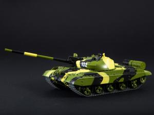Macheta tanc rusesc T-62M, scara 1:432