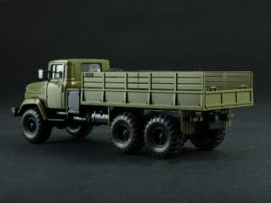 Macheta camion cu prelata KRAZ 6322, scara 1:433