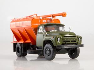 Macheta auto camion transport furaje Zil-130, scara 1:435