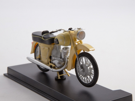 Macheta motocicleta ruseasca IJ-Planeta 2, scara 1:24 [7]