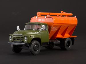 Macheta auto camion transport furaje Zil-130, scara 1:436