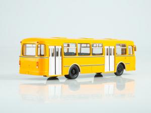 Macheta autobuz LiAZ-677M, scara 1:431