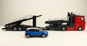 Macheta transportor auto Mercedes Actros cu Renault Captur, scara 1:430