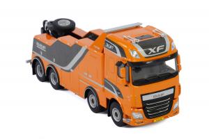 Macheta auto camion depanare Falkom pe sasiu DAF XF SSC, scara 1:502