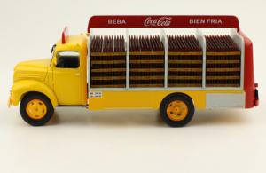 Macheta camion Coca-Cola Ebro B-45, scara 1:431