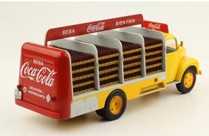 Macheta camion Coca-Cola Ebro B-45, scara 1:432