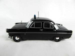Macheta auto Ford Consul Mk2, politia britanica, scara 1:431